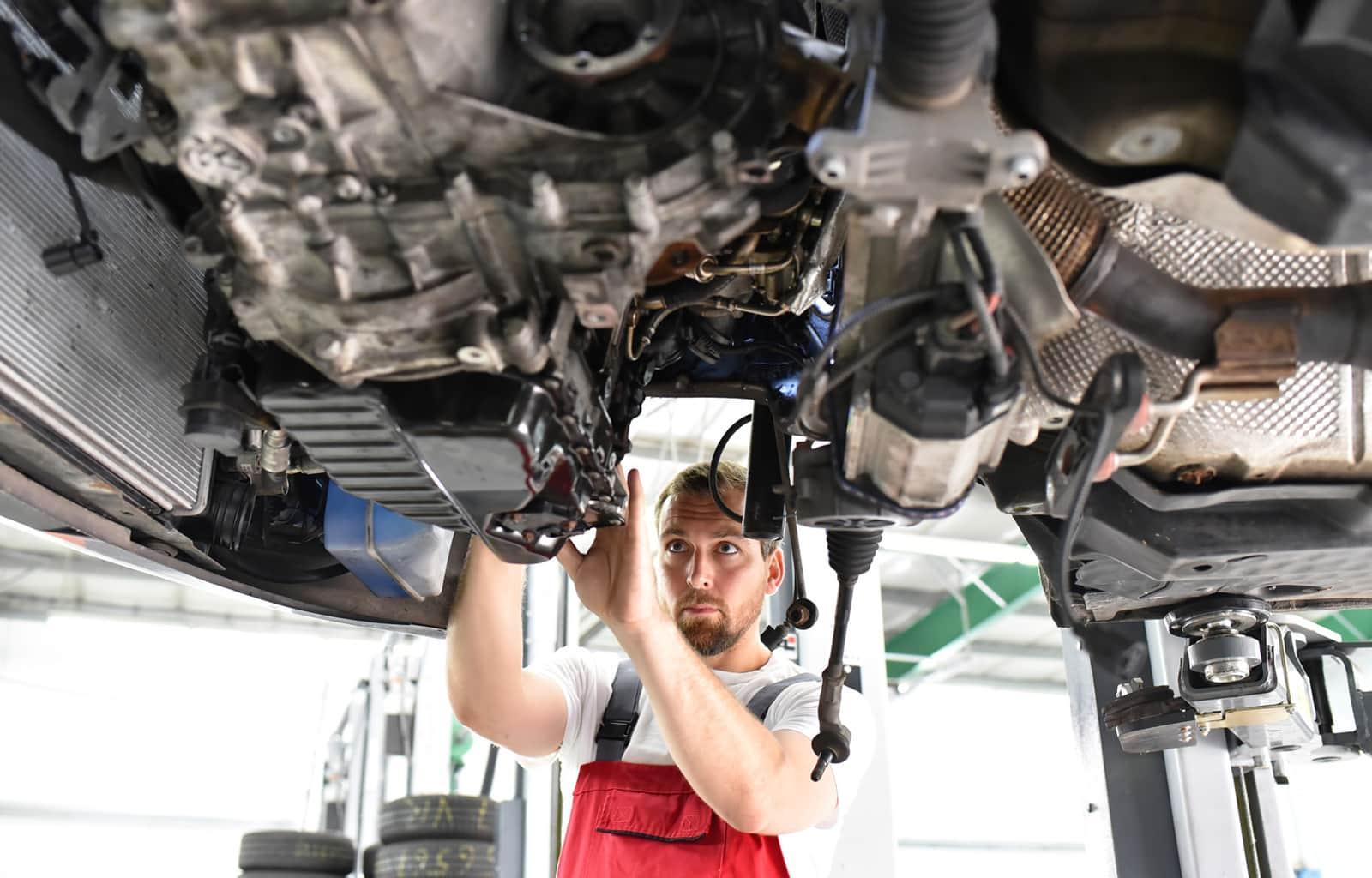 Mechaniker im Fahrzeugbau