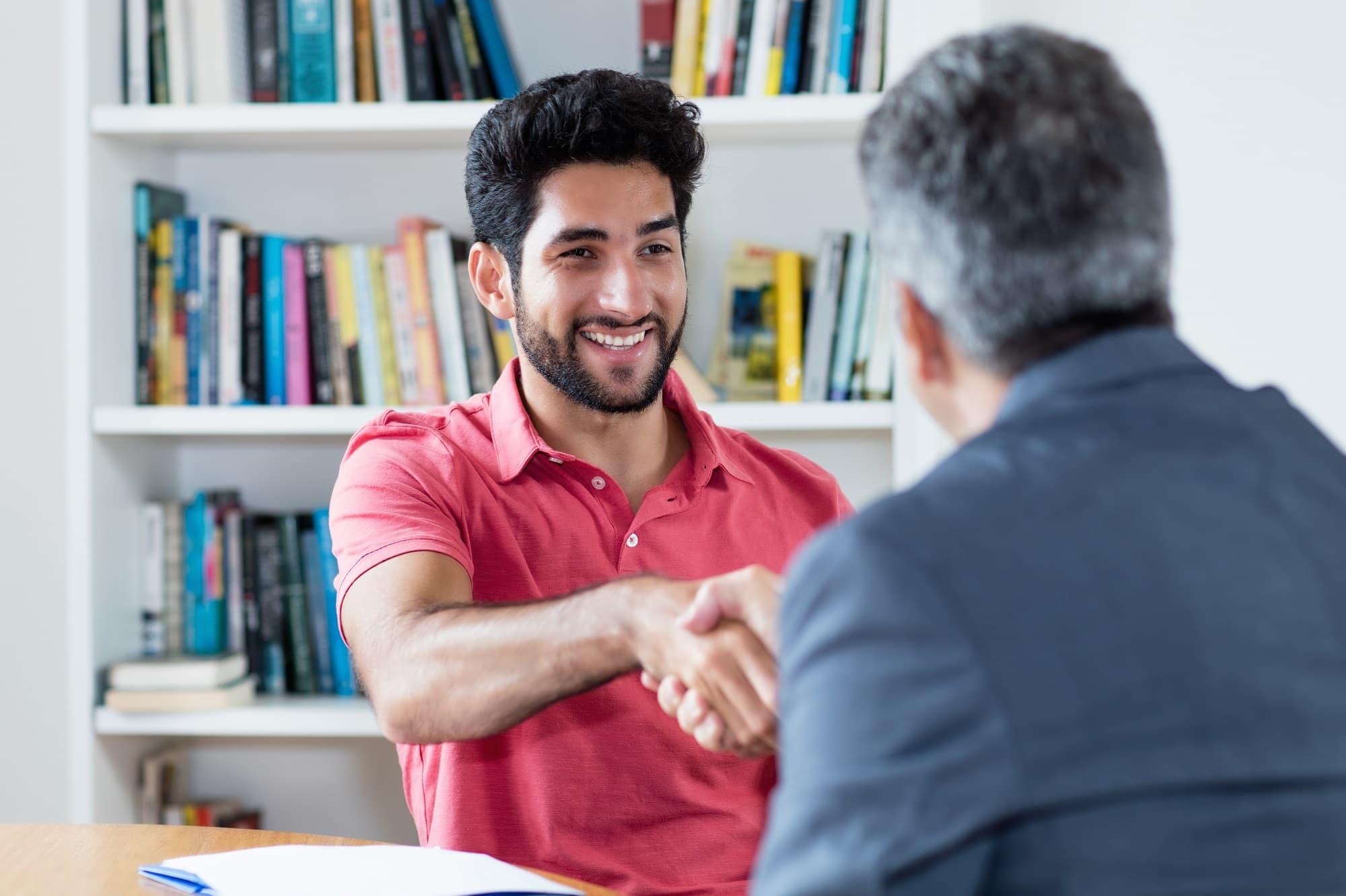 Handschlag nach Bewerbungsgespräch